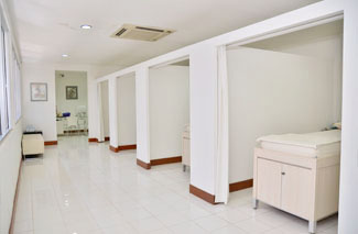 acupuncture treatment room